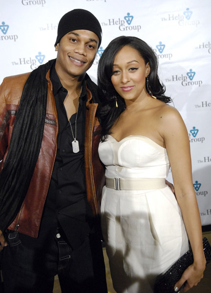 tia mowry and husband cory hardrict. Tia Mowry#39;s Pregnancy and New